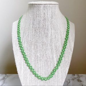 🎉5/20 SALE🎉 green beaded daisy chain necklace